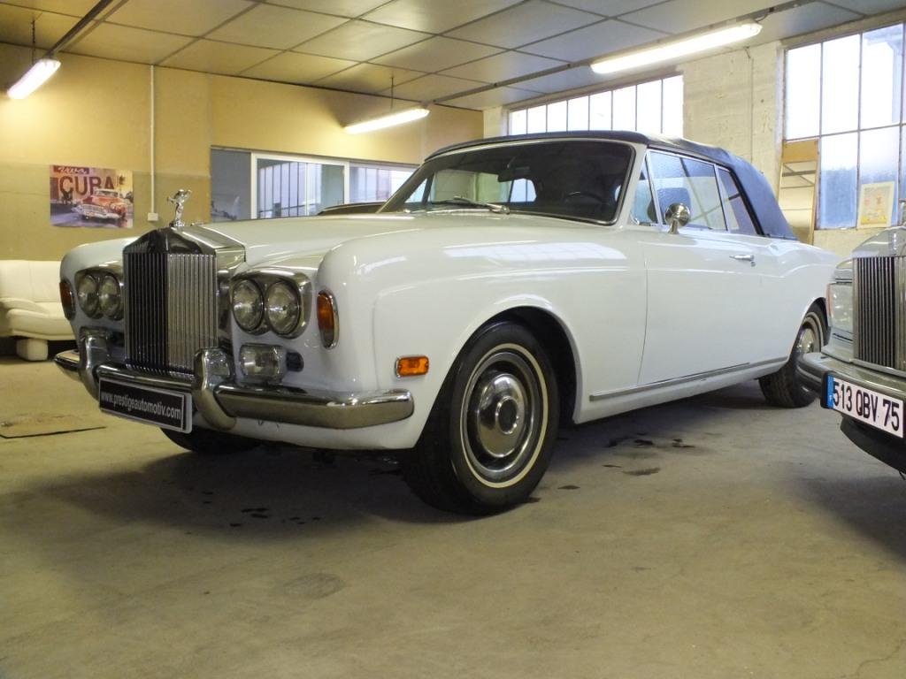 Rolls royce corniche cabriolet for Moquette route voiture