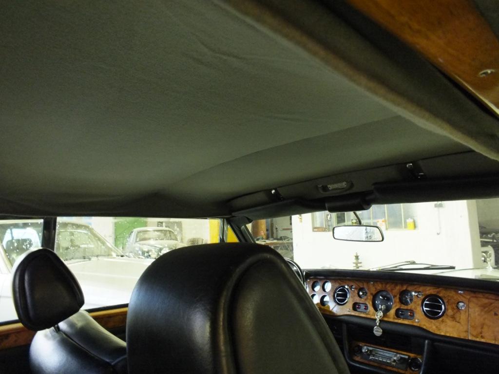 Rolls royce corniche cabriolet for Moquette voiture ancienne